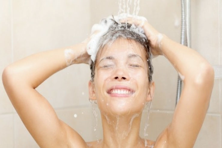 Best Way To Wash Your Hair Naturally