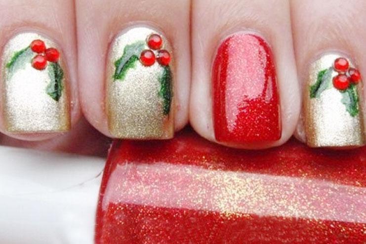 Mistletoe nail art