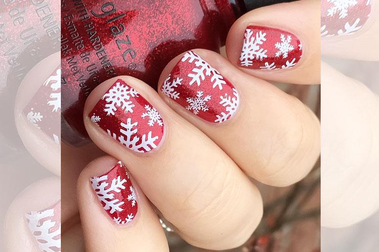 Snowflakes Christmas nail art