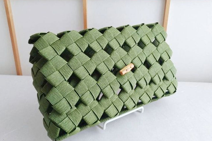 Some green clutches for the eco-friendly brides
