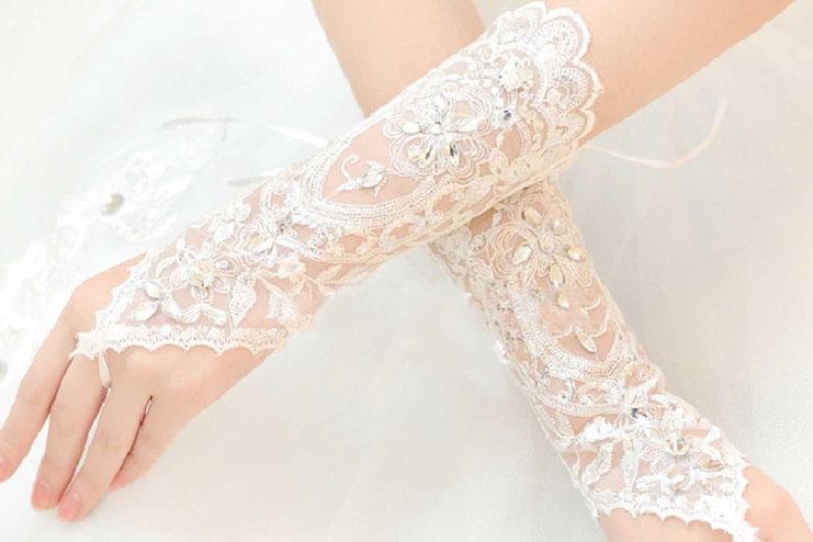 Gauntlet Wedding gloves-bridal gloves
