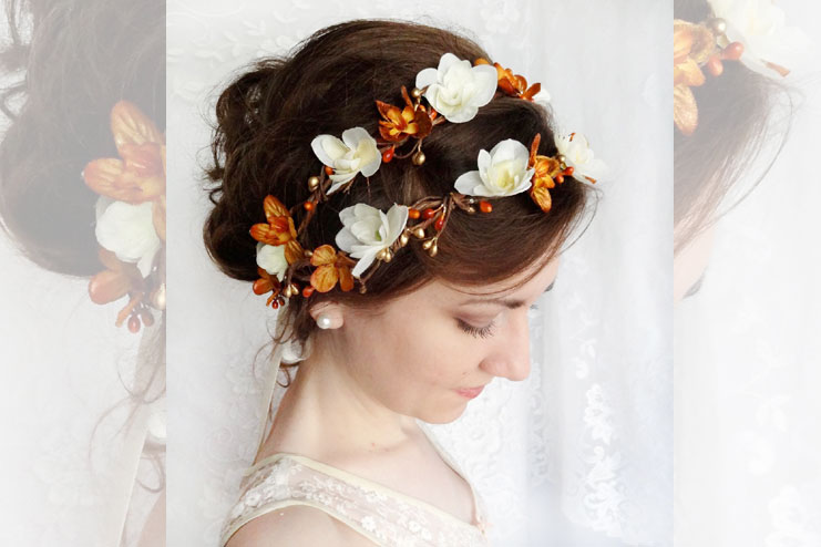 Floral and laced hair pins for bridal hair