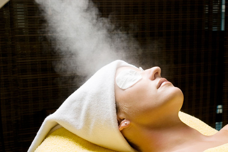 Facial steamer helps in preventing premature signs of aging