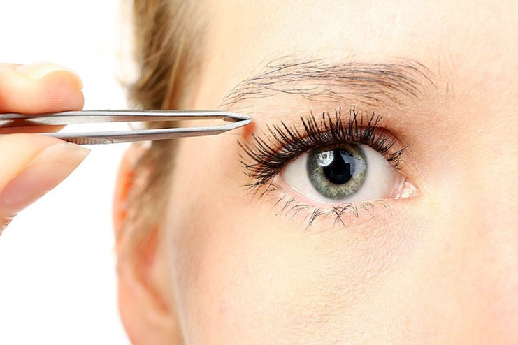 Use tweezer to shape your eyebrows soon after shower