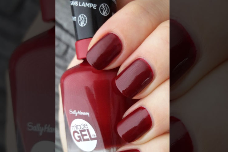 Best Red Nail Polishes Which Are Truly Enchanting (And You Must Try Too)