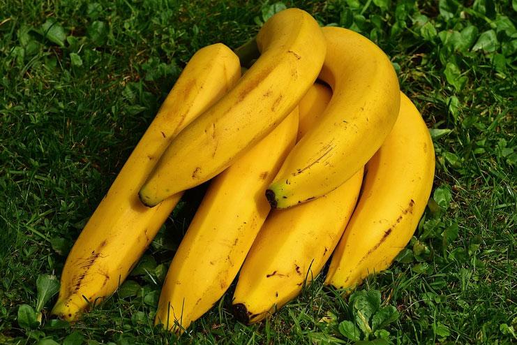 Bananas are meant for skin lightening