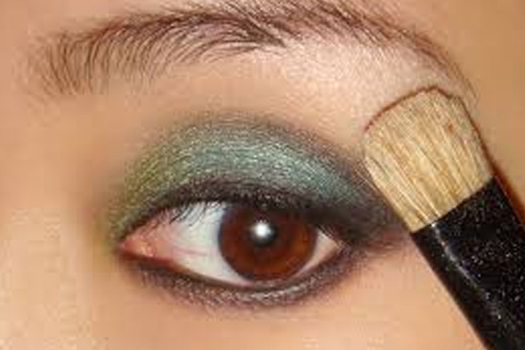 Give your eyes a good base with a concealer