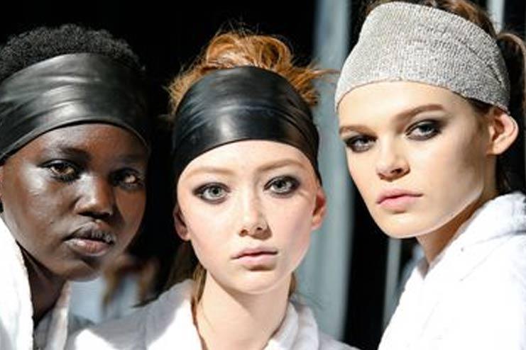 Why-Do-Women-Wear-Make-Up